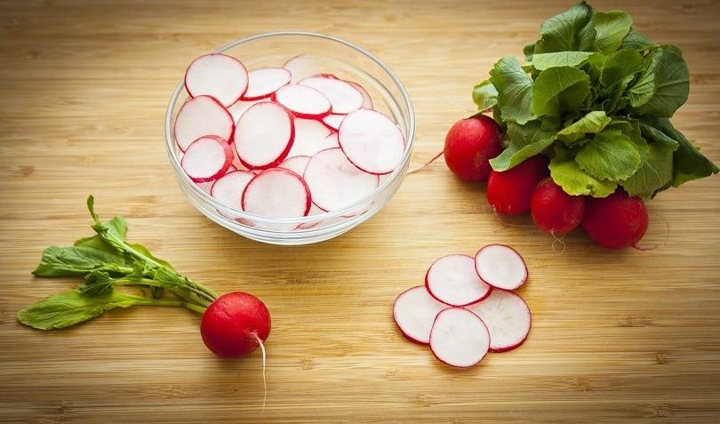 radish-sliced-pixabay