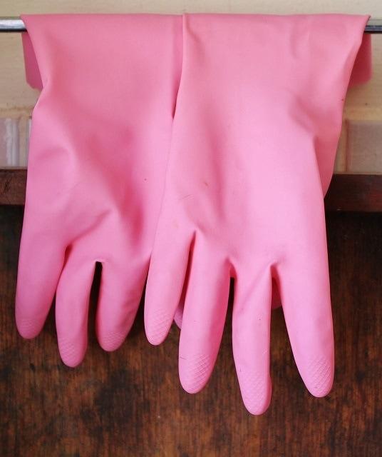 rubber-gloves-pixabay