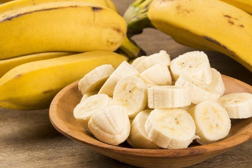 sliced banana in a pot