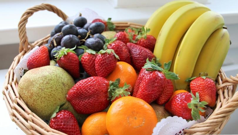 basket of fruits_HeVoLi_Pixabay
