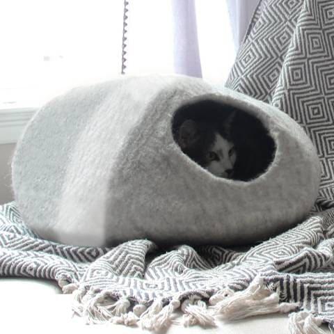Mau Lifestyle Horizon Wool Felt Cave Cat Bed (1)